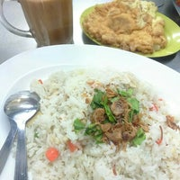 Photo taken at Warung Pak Ali Restaurant by Suajie (. on 12/19/2015