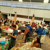 Photo taken at Mercado De Antojitos by Rodrigo Z. on 11/29/2015