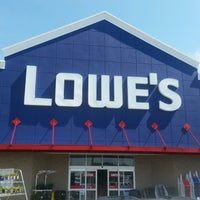 Photo taken at Lowe's Home Improvement by Stephen B. on 7/31/2016