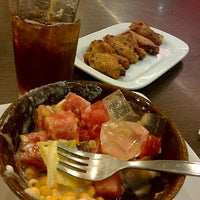 Photo taken at Pizza Hut by panji e. on 2/23/2012
