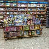 Photo taken at Saraiva MegaStore by Karen M. on 4/5/2013