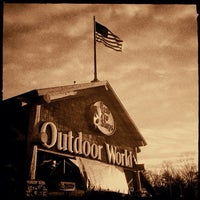Photo taken at Bass Pro Shops by Alfredo R. on 2/23/2013