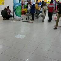 Photo taken at Giant Hypermarket by Anggi P. on 3/15/2015