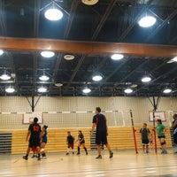 Das Foto wurde bei Brandeis High School von Katrishia V. am 6/21/2014 aufgenommen