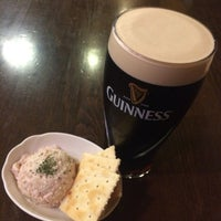 Photo taken at Irish Pub Stasiun 田町店 by Hiromi Y. on 10/7/2016