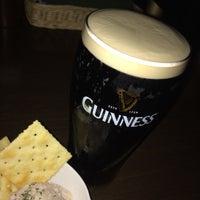 Photo taken at Irish Pub Stasiun 田町店 by Hiromi Y. on 11/11/2016