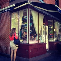 Photo taken at Magnolia Bakery by Michelle K. on 5/17/2012