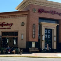 Photo taken at The Cheesecake Factory by Leley F. on 2/17/2012