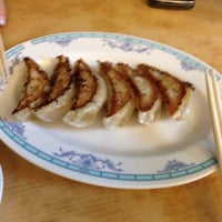 Photo taken at Gyoza no Ohsho Singapore  餃子の王将 by Yun Ting T. on 3/17/2012