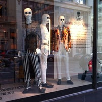 Photo taken at Saks Fifth Avenue - The Men's Store by Ken Kreangsak L. on 4/29/2012