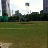 Photo taken at 青山運動場 野球場 by Yuya K. on 6/26/2012