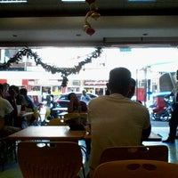 Photo taken at Fahrenheit Food Center by Arix E. on 11/26/2012
