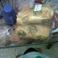 Photo taken at Supermercado Emilio Luque by kar0 p. on 1/19/2013