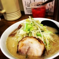 Photo taken at つけ麺・ラーメン れんじや by taku u. on 5/20/2014