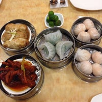 Photo taken at King Bee Chinese Restaurant by Laine L. on 5/3/2015