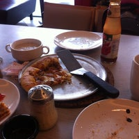 Photo taken at Pizza Hut by Shat I. on 8/31/2014