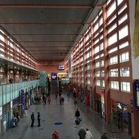 Das Foto wurde bei Innsbruck Hauptbahnhof von Nikita am 9/12/2013 aufgenommen
