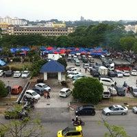 Photo taken at Bazaar Ramadhan Seksyen 7 by Ahmad Rofli A. on 6/29/2014