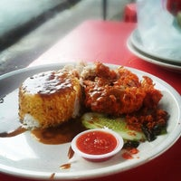 "Photo taken at Nasi Kukus ""Malaya Best"" by WAN ABDUL IZZAT on 6/30/2013"