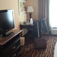 Photo taken at Holiday Inn Express & Suites Ft. Lauderdale Airport/Cruise by Demetrio B. on 3/13/2014