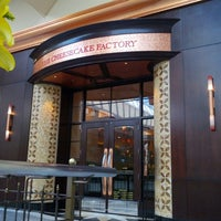 Photo taken at The Cheesecake Factory by مطلق S. on 5/30/2013