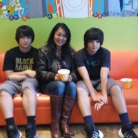Photo taken at Orange Leaf Frozen Yogurt by Angelina C. on 12/22/2013