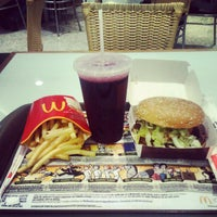 Photo taken at McDonald's by Mauricio P. on 4/17/2012