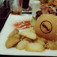 Photo taken at Burger House by Diego Marcel C. on 1/7/2014