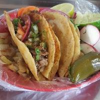 Photo taken at Tacos El Güero Transito by Nallely M. on 10/13/2016