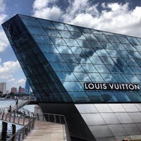 Photo taken at Louis Vuitton Island Maison by Ahmar M. on 3/18/2013