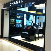 Photo taken at Chanel Boutique by Ana Gloria S. on 5/23/2013