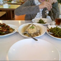 Photo taken at D'Cost Seafood by Angel M. on 6/7/2014