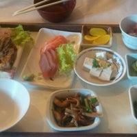 Photo taken at Kamiya Sushi & Sukiyaki by Eduardo Y. on 9/30/2012