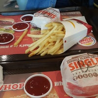 Photo taken at Burger King by Ammaruta T. on 8/15/2016