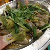 Photo taken at Serdang Duck Ong Restaurant by Aaron W. on 9/5/2014