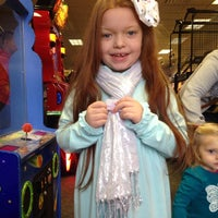 Photo taken at Chuck E. Cheese's by Kimberly W. on 12/31/2013