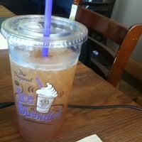 Photo taken at The Coffee Bean & Tea Leaf® by Mehmet B. on 8/10/2013