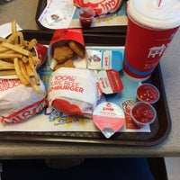 Photo taken at Wendy's by Mert A. on 7/2/2016