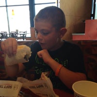Photo taken at Taco Bell by Carmen T. on 8/17/2015