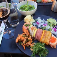 Photo taken at Raw Sushi & Grill by Janny L. on 5/5/2016