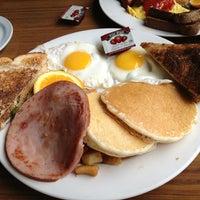 Photo taken at Mayflower Restaurant & Pub by Josee C. on 3/31/2013