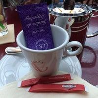 Photo taken at Café George V by Noori A. on 2/28/2014