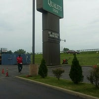 Photo taken at Quality Inn Blue Springs by Cyndie L. on 5/26/2016