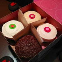 Photo taken at Sprinkles Cupcakes by Kevin T. on 11/13/2012