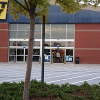 Photo taken at Best Buy by Seth E. on 10/19/2013