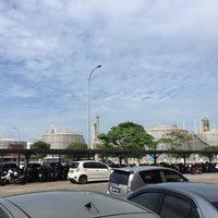 Photo taken at Petronas Penapisan Melaka Sdn Bhd by Muhammadnazmie on 8/5/2016