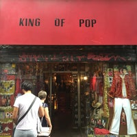 Photo taken at King Of Pop by Tirso M. on 8/14/2015