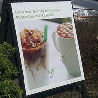 Photo taken at Starbucks by Delise C. on 3/19/2012