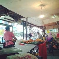 Photo taken at Ampang Jaya Food Court by nashril on 5/19/2013