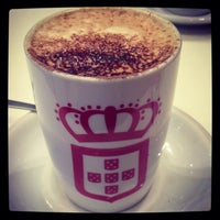 Photo taken at vida e caffè by Vicario _. on 7/11/2013